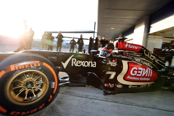 F1 A Pirelli a kritikák hatására mégis változtat az abroncsok összetételén