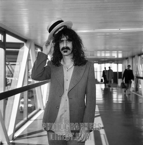 zappa_heathrow_london_13_april_1975.jpg