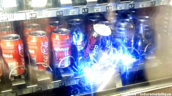 robot-steals-soda.png