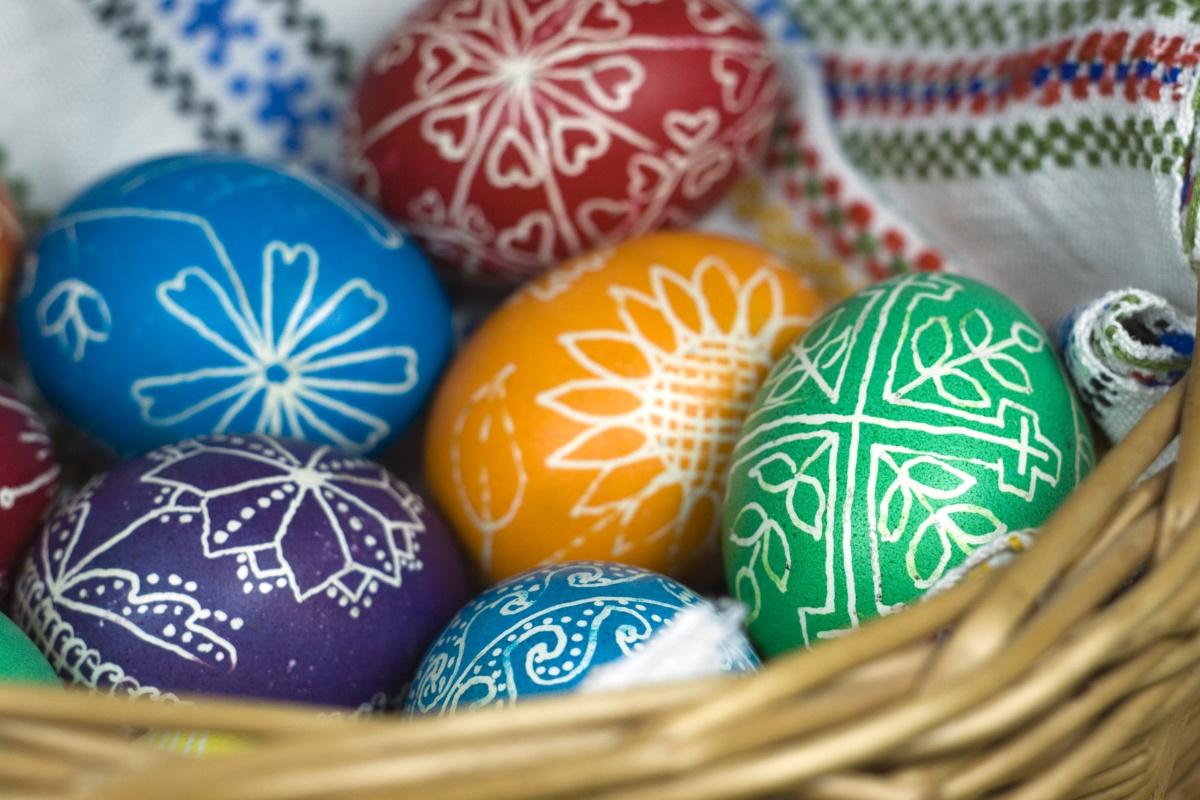 Easter-egg-with-cross.jpg
