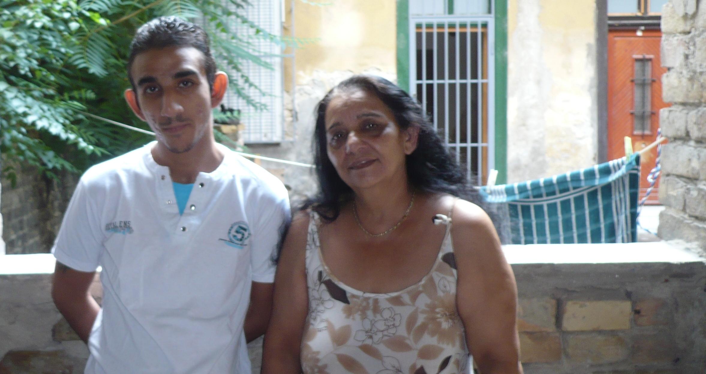 laci és édesanyja.jpg