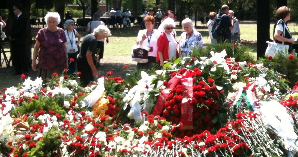 Horn Gyula temetése 2.jpg
