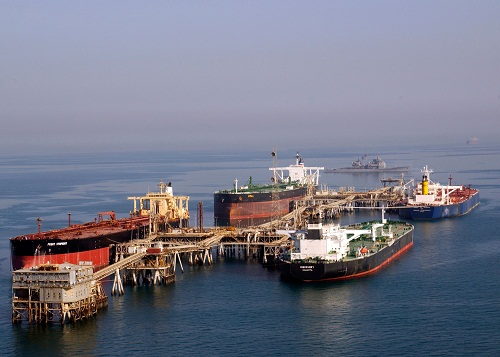 Tankers_at_the_Iraqi_Al_Basra_Oil_Terminal_in_the_Northern_Arabian_Gulf.jpg