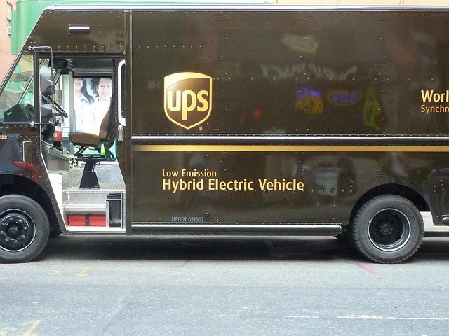 UPS-Truck-Left-Turn-2.jpg