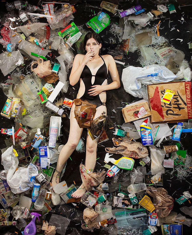 7-days-of-garbage-environmental-photography-gregg-segal-11.jpg