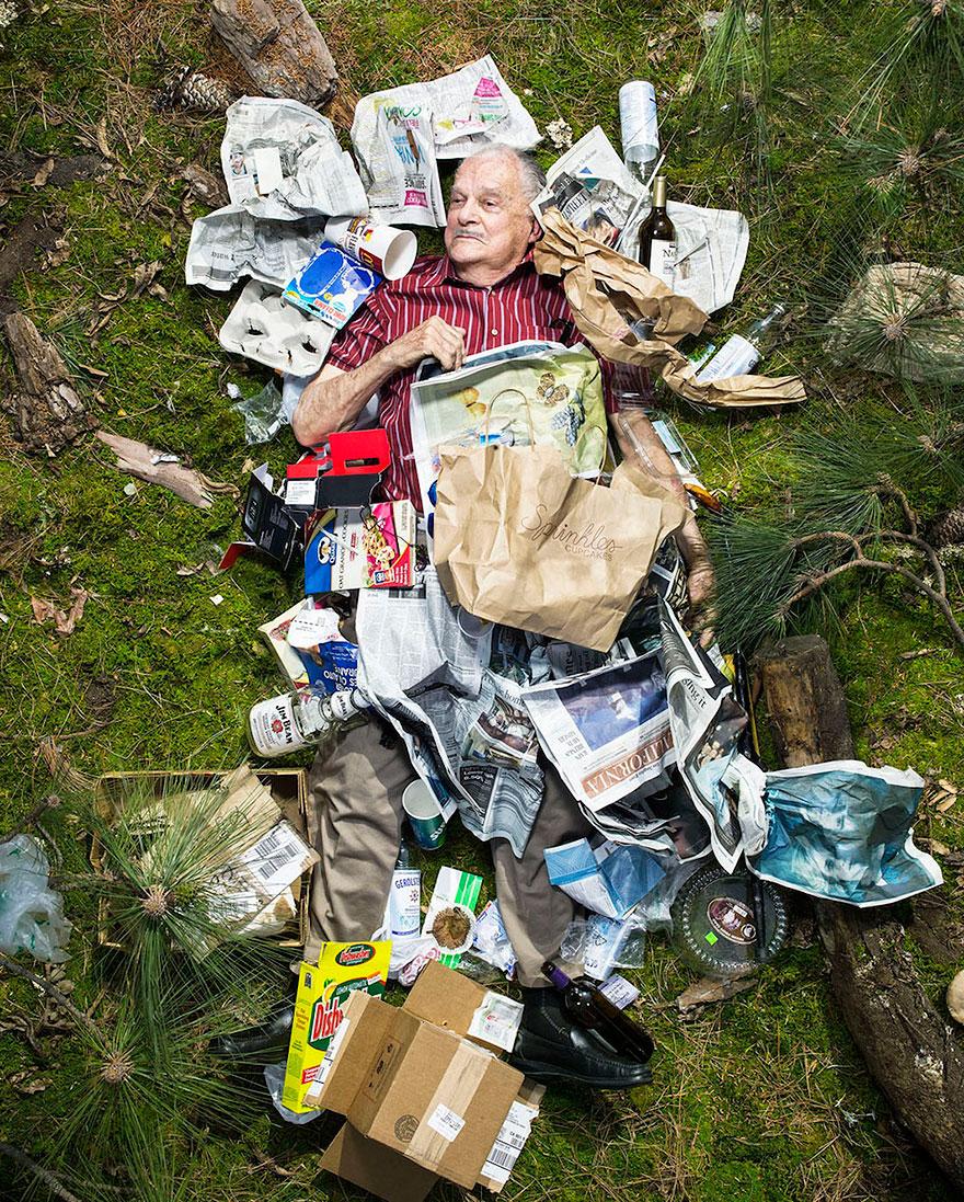 7-days-of-garbage-environmental-photography-gregg-segal-6.jpg