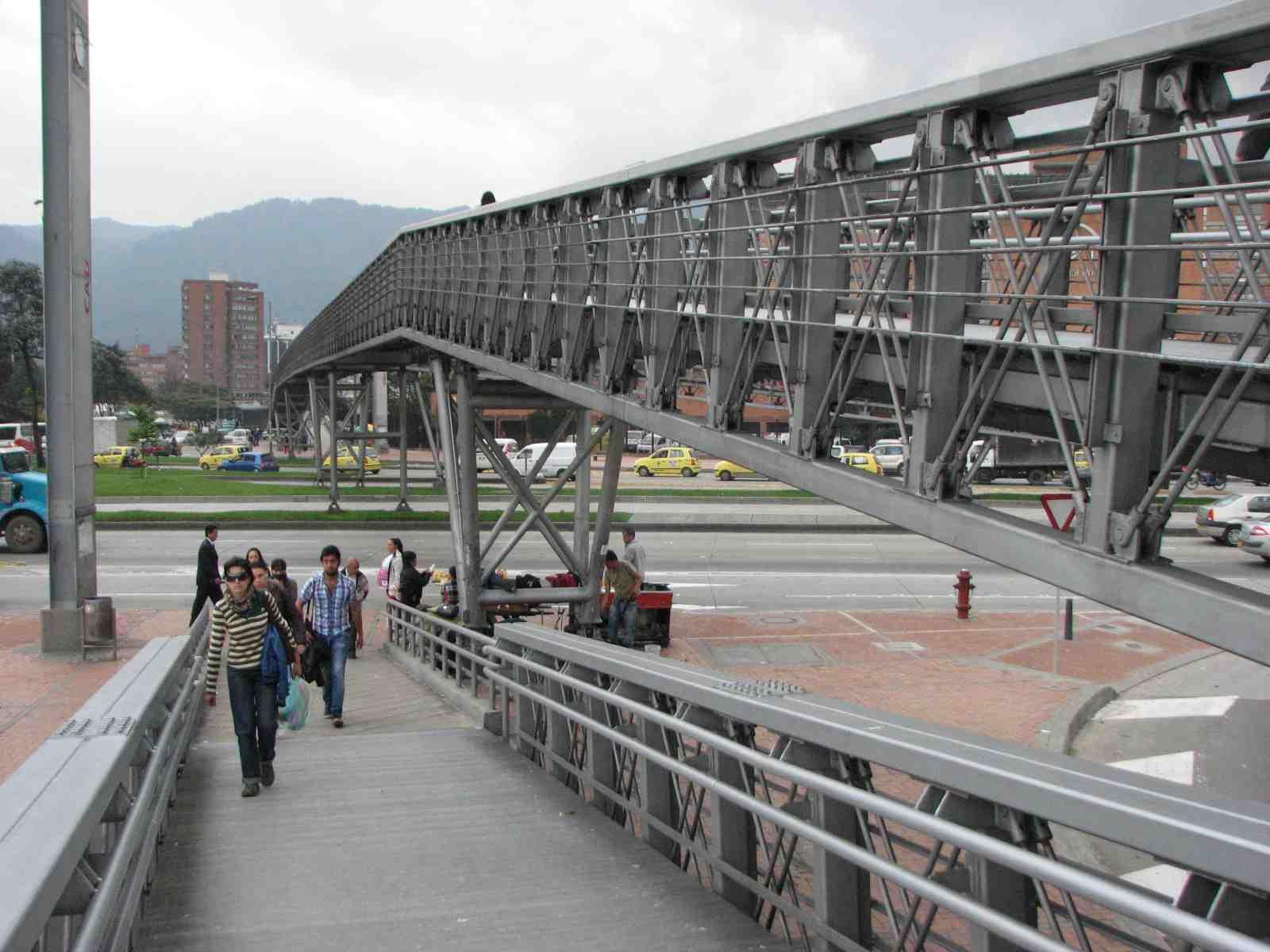 puente peatonal1.JPG