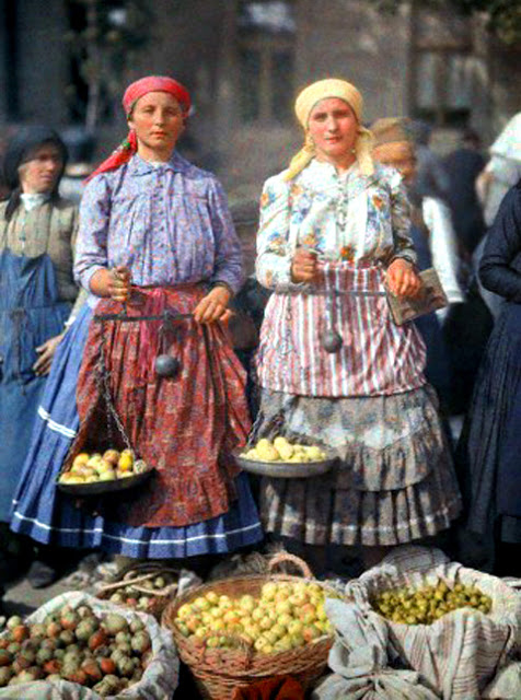 Beautiful Color Photos of Hungary in The Early of 1930s (18).jpg