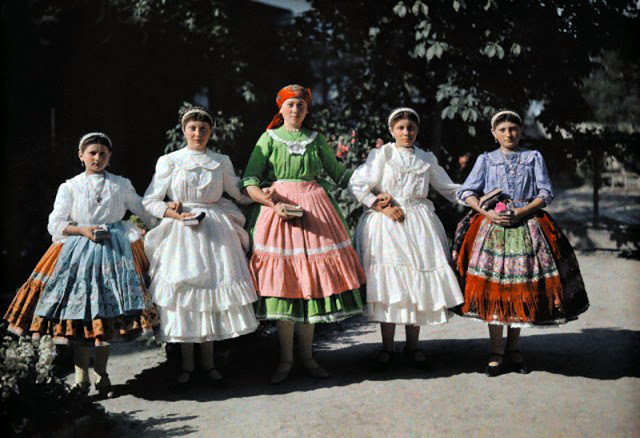 Beautiful Color Photos of Hungary in The Early of 1930s (5).jpg