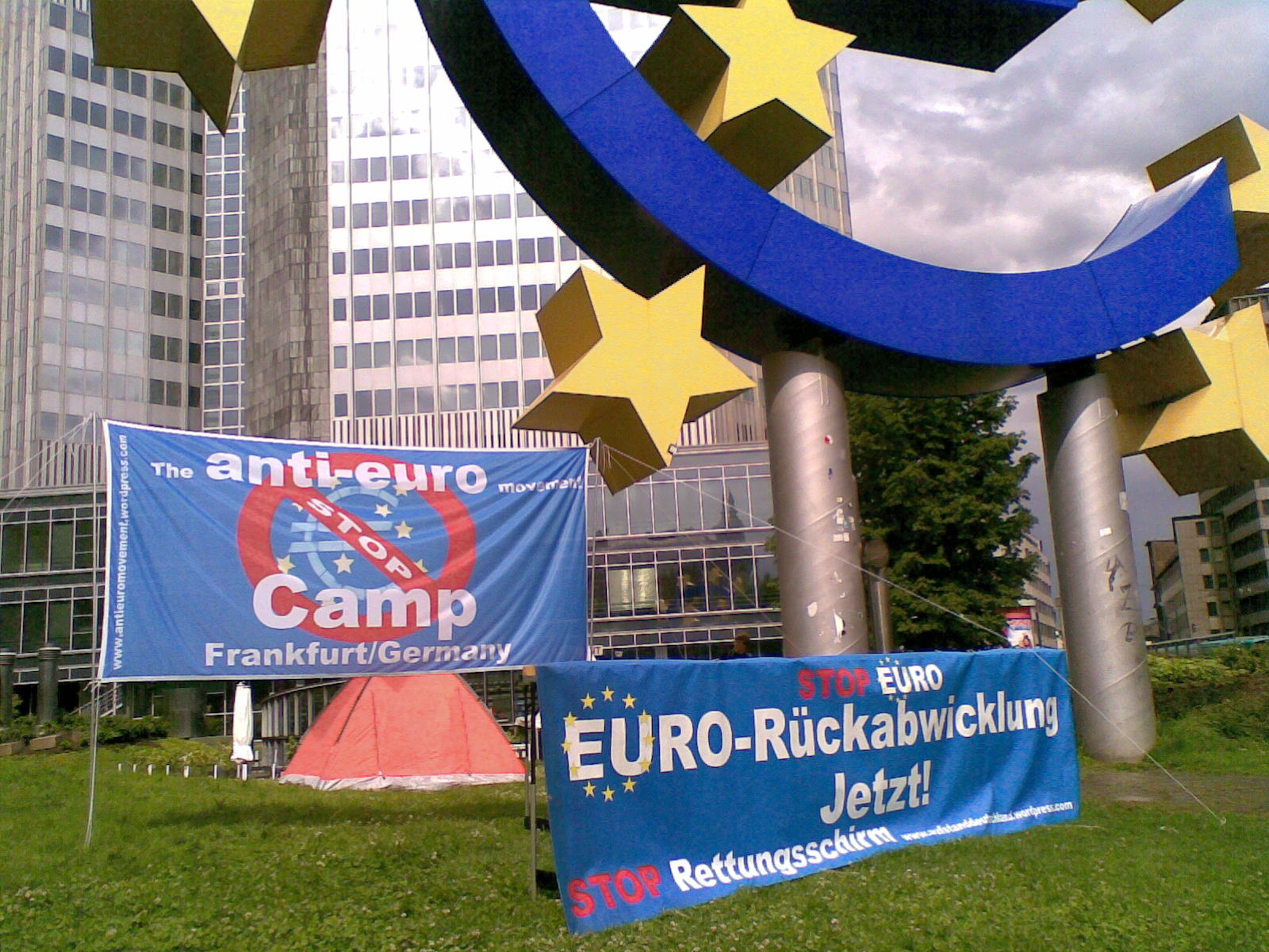 anti-euro-camp-frankfurt-germany[1].jpg