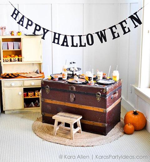Pottery-Barn-Kids-Halloween-Party-by-Kara-Allen-of-Karas-Party-Ideas-KarasPartyIdeas.com-potterybarnkids-halloween-halloweenpartyideas-2.jpg