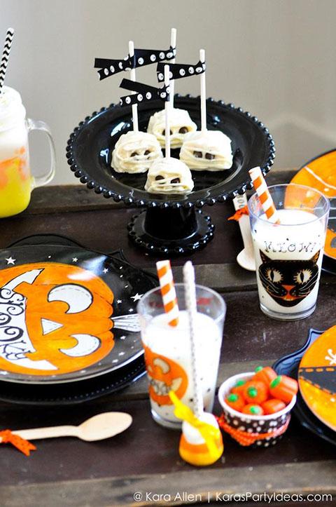 Pottery-Barn-Kids-Halloween-Party-by-Kara-Allen-of-Karas-Party-Ideas-KarasPartyIdeas.com-potterybarnkids-halloween-halloweenpartyideas-33.jpg