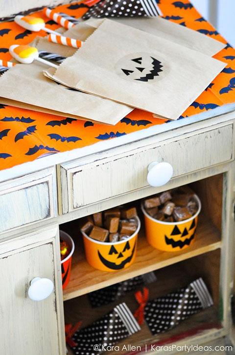 Pottery-Barn-Kids-Halloween-Party-by-Kara-Allen-of-Karas-Party-Ideas-KarasPartyIdeas.com-potterybarnkids-halloween-halloweenpartyideas-34.jpg