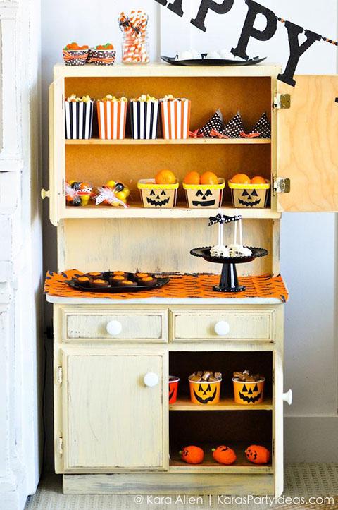 Pottery-Barn-Kids-Halloween-Party-by-Kara-Allen-of-Karas-Party-Ideas-KarasPartyIdeas.com-potterybarnkids-halloween-halloweenpartyideas-62.jpg