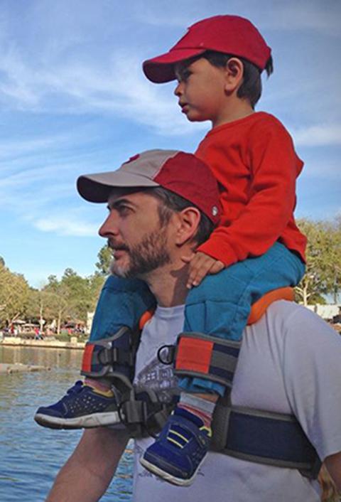 SaddleBaby-Child-Shoulder-Carrier-2.jpg