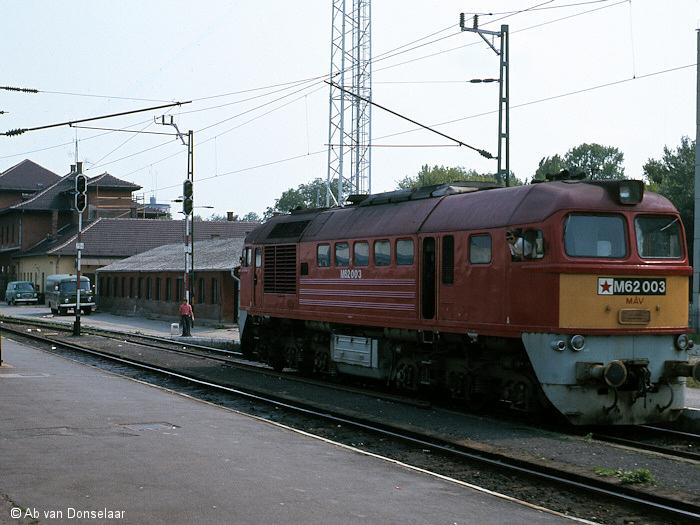 MAV_M62003_AvD.jpg
