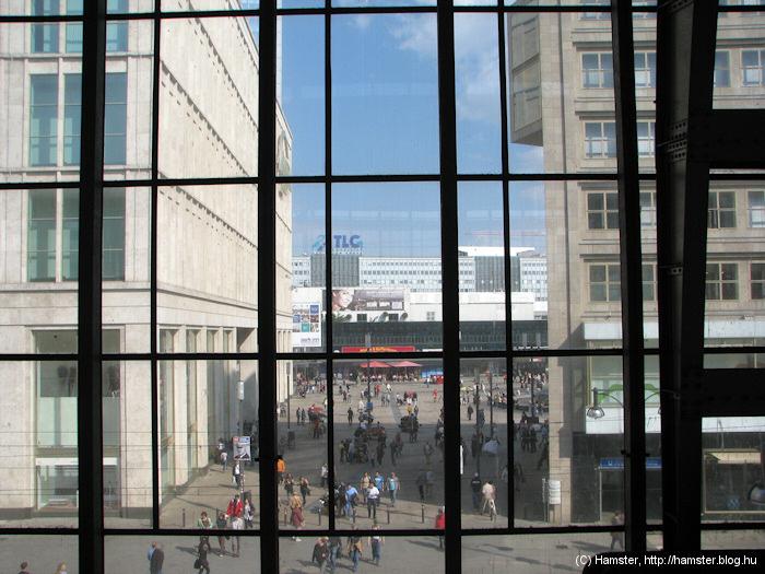 Alexanderplatz_2011.jpg
