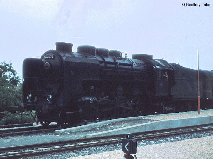 196903xx-C0083.jpg