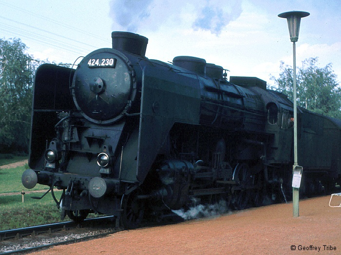 196905xx-C0081.jpg