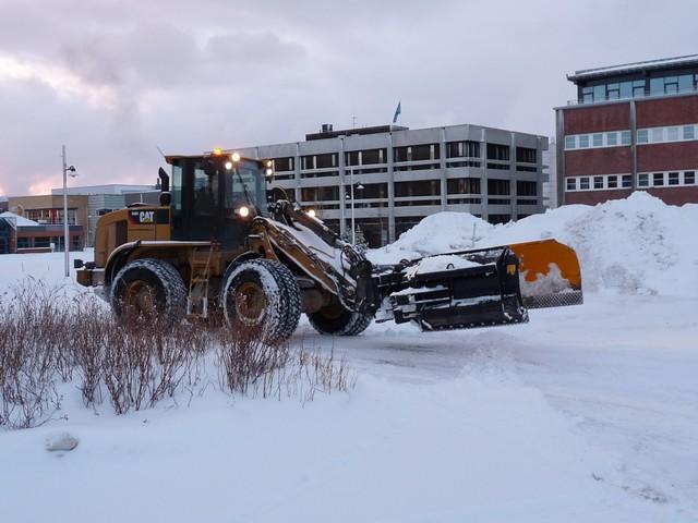 Alta, hó az iskola előtt.jpg