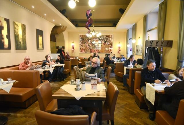 Ausztria, Bécs, étterem.jpg
