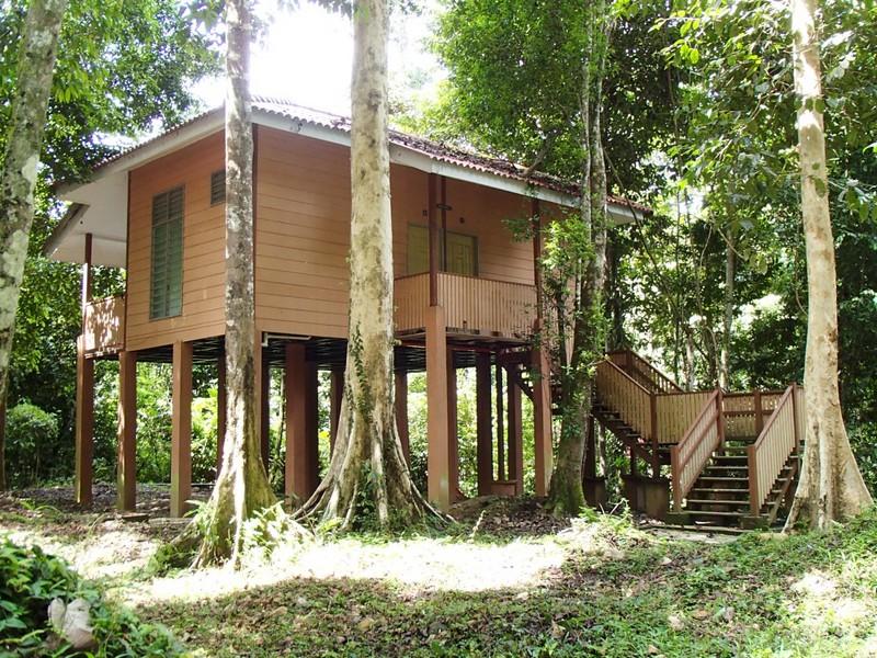 Earth Lodge-ban az átmeneti otthonom (jobboldali szoba).JPG