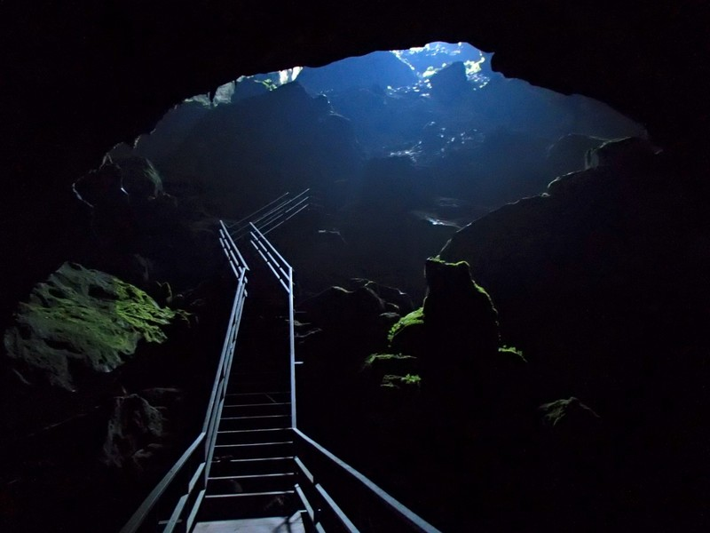 Gua Gunung, egy barlang Malajziában.JPG