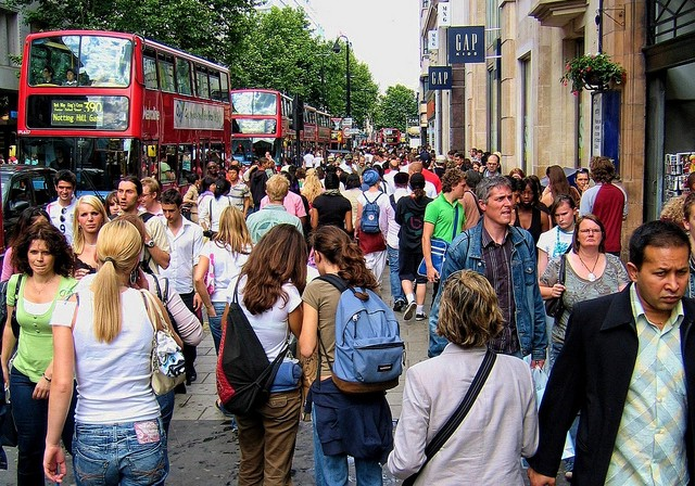 London tömeg.jpg