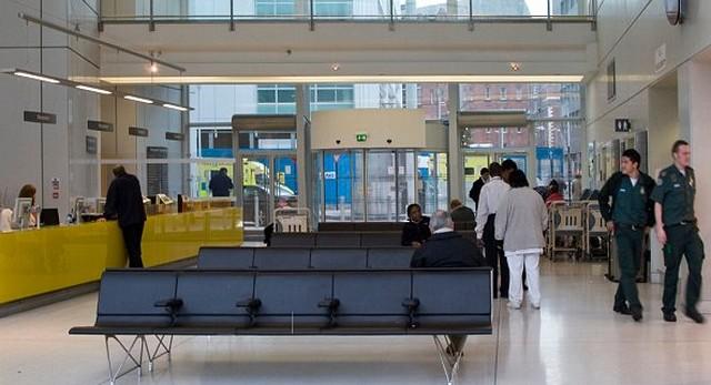 London, University College Hospital cím.jpg