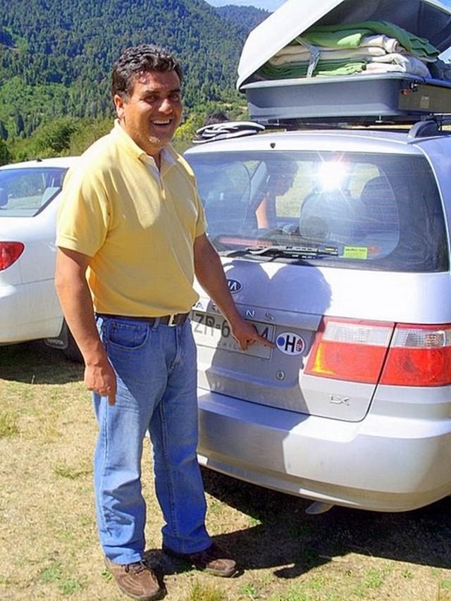 Ravo és autója.JPG