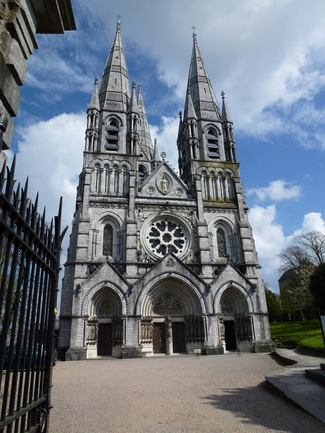 Saint Fin Barre katedrális.jpg