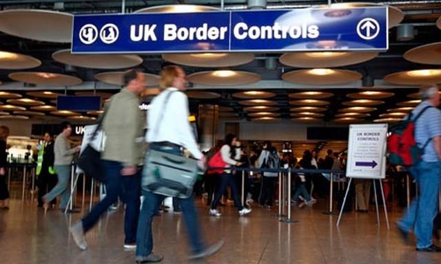 UK border controll_1.jpg