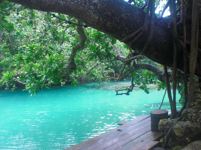 efate_blue_lagoon.jpg