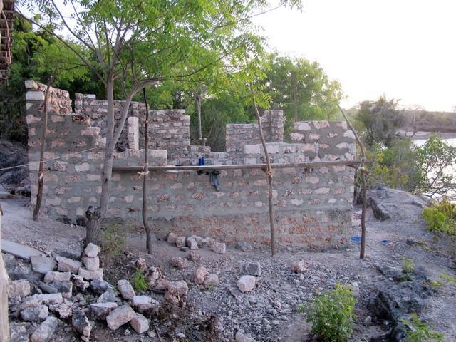 fal építés közben.jpg
