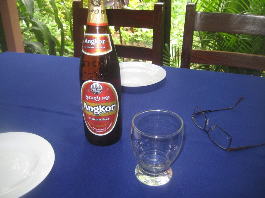 Angor sör a béka ellen