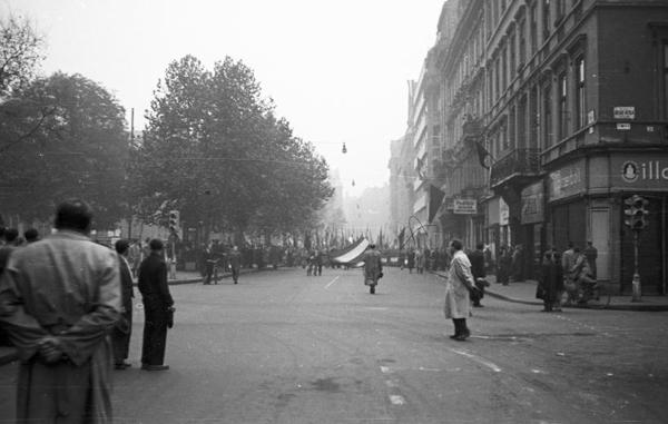 1956 Október 6 utcából nézve.jpg