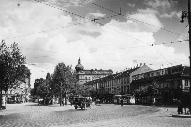 1935 Deák tér.jpg