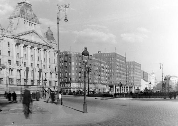 Károly krt a Deák tértől kb 1950.jpg