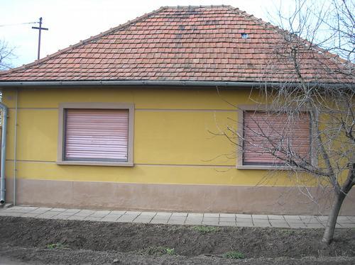 sátortetős ház.jpg