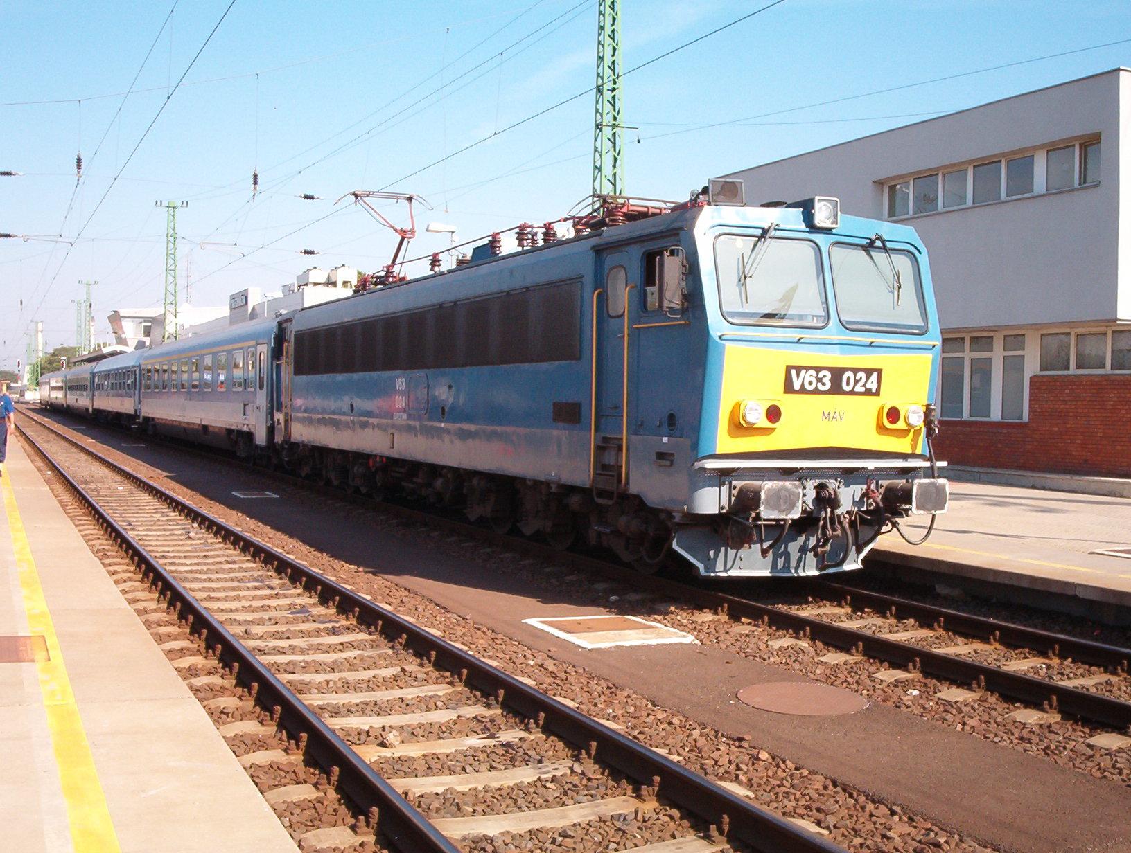 V63 024 Ni.JPG