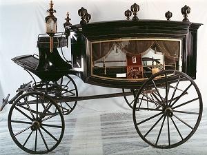 1860 Lincoln lovas halottaskocsija.jpg