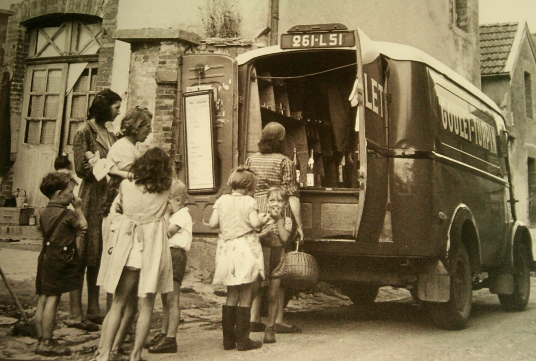 1950s-french-wine-selling-truck.jpg