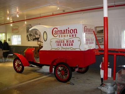 CarnationMilkTruck400.jpg