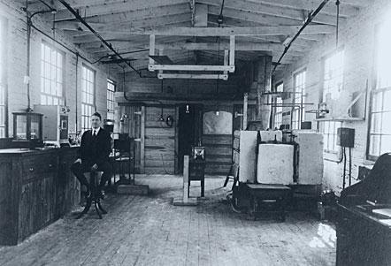 History-1915-1921-newarkresearchlab-lg-032812jpg.jpg