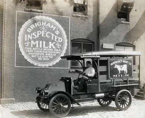 Milk_truck_1916.jpg