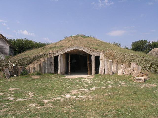 The_Earth_house_-_geograph.org.uk_-_431910.jpg