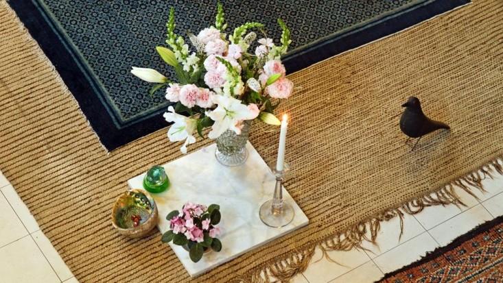 eames-house-la-living-room-gardenista.jpg