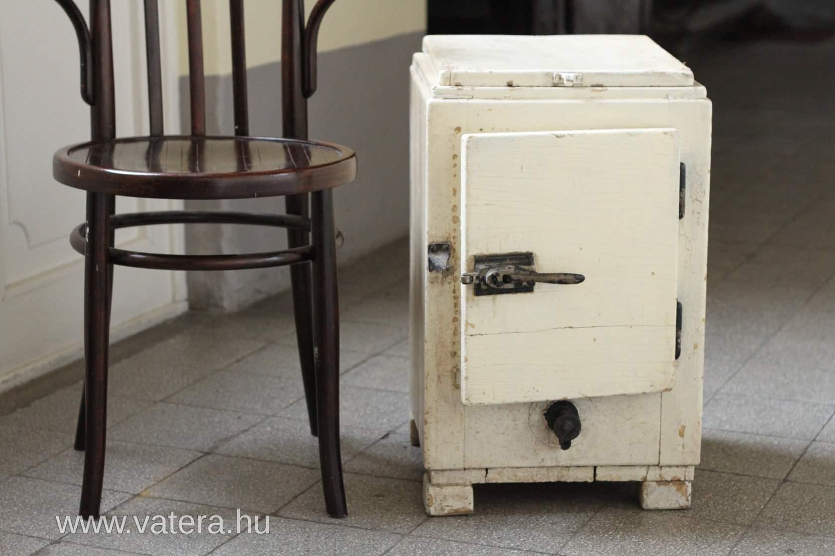 Régi kis hűtő