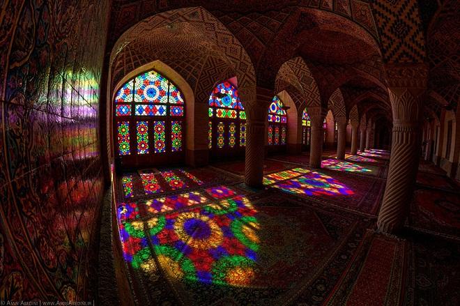 nasir-al-mulk-mosque-shiraz-iran-2.jpg