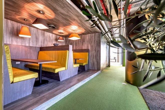 Mindent visz a Google j irodja 30 fot  Inspired  Design